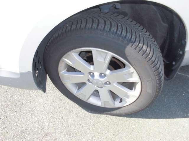 タイヤはミシュランのクロスクライメイト オールシーズンタイヤ装着