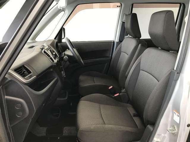 【運転席・助手席】いたみ・汚れなどは少なく、全体的に良好な状態です!