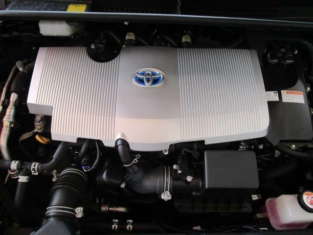 カタログ燃費37.2Km/lの低燃費ハイブリッドエンジン!