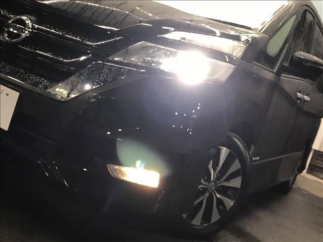 LEDヘッドライトがついておりますので暗い夜道でも明るく照らしてくれますね!