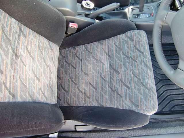 最も使用頻度の高い運転席座面・背面は御覧の通りです