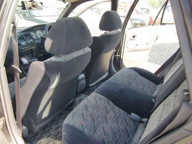 室内は禁煙車で丁寧に扱われていた車両の為状態は良く綺麗です-除菌清掃+抗菌加工施工済で安心してお乗り頂けます