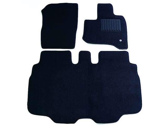 Aプラン画像:★車種ごと設計のフロアマット★              ★シンプルなブラックでどんな車にでも、似合います★