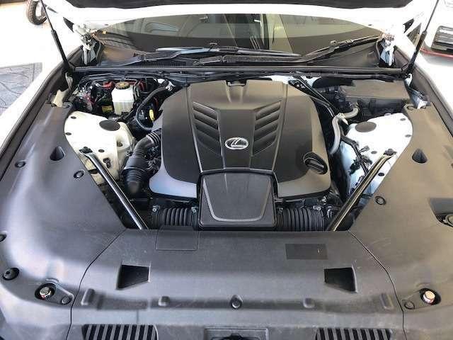 V8の音は迫力があります