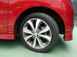 純正アルミホイール タイヤサイズは165/55R15です。