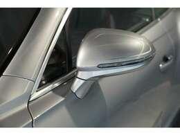 電動調整式ドアミラーには、リバース連動機能、ヒーター機能が付いておりますので、走行