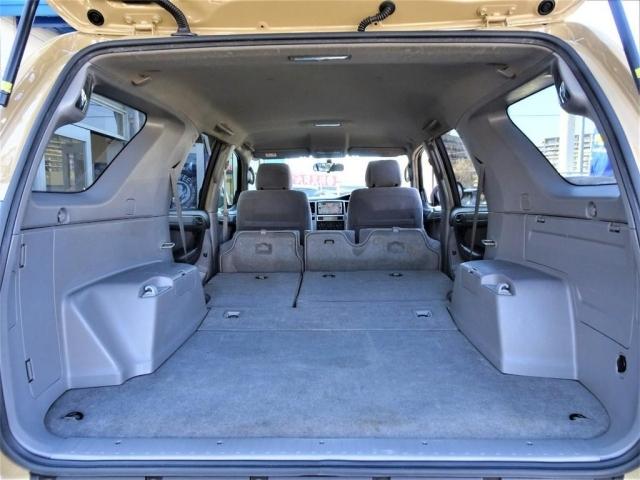 二列目シートを折りたためば更に荷室は広くなります。