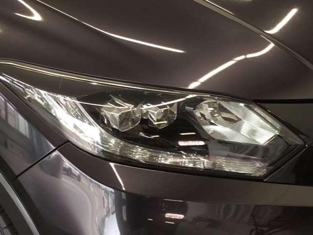 【 LEDヘッドライト 】が装備されています.。より明るく!省電力!で、夜間走行時や雨の日に明るく安全に前方を照らすことが出来ます。対向車からも見えやすいので相手に接近を知らせることも出来ます