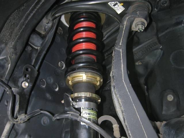 お望みの車高と乗り心地を選べるファイナルコネクションファントム減衰力調整式フルタップ車高調の取付け画像です。
