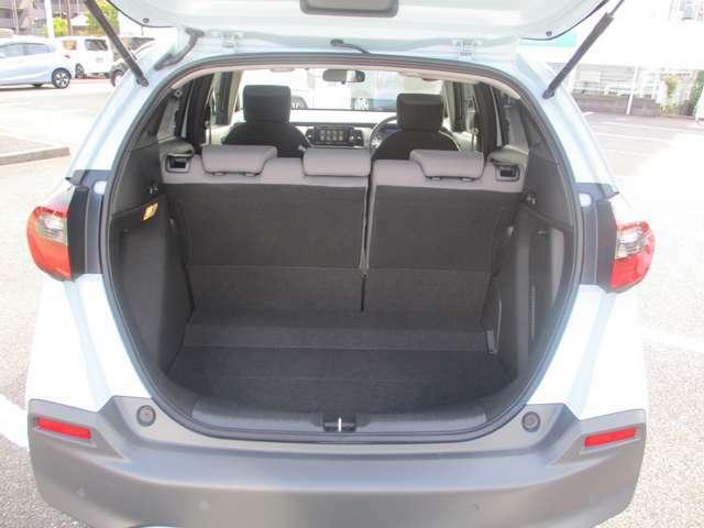 十分に広いトランクセペースがありますので沢山の荷物を積む事ができます!