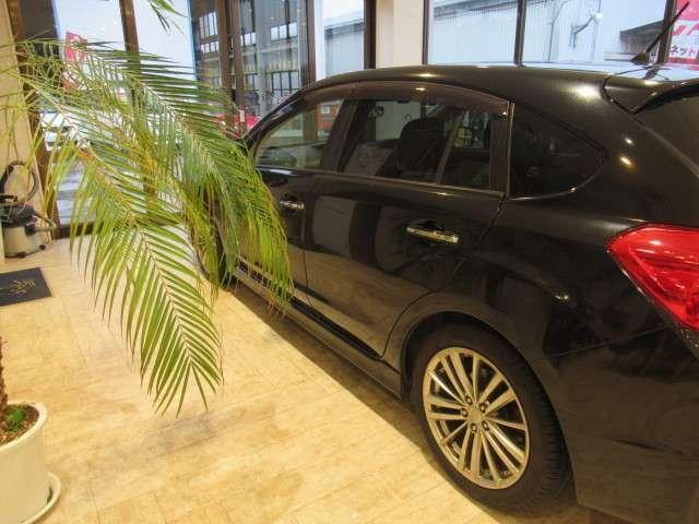 ユーザー買取車 ワンオーナー車輌 Sti用フロントリップ ストラーダSD地デジナビ ETC ドラレコ パドルシフトなど 程度良好です。