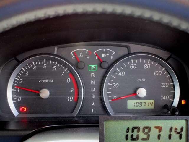 走行距離は109800キロほど。タイミングチェーン式なので10万キロ超えても交換不要です
