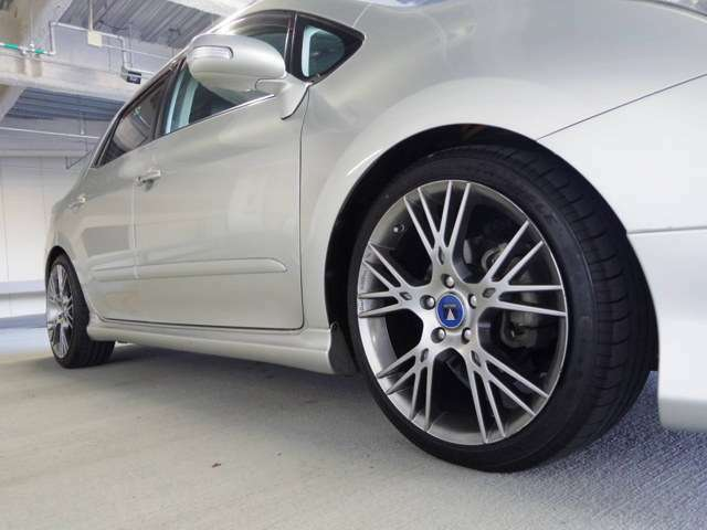 215/40R18 モデリスタアルミホイール 新品ダウンサス 新品タイヤ