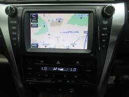 メーカーオプションナビ装備!☆ BluetoothオーディオやフルセグTVが見れる高性能ナビです!!