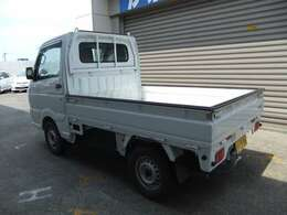 全国陸送納車可能です。費用につきましては、当店スタッフまでお問い合わせください。