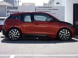 BMW i3 レンジエクステンダー 装備車 の入荷です!お車詳細や展示状況はフリーダイヤル(0066-9711-498412)またはBPS城東鶴見06-6933-6600迄お問合せ下さい。