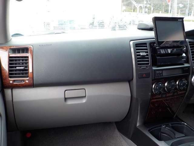 ☆この年式のトヨタ車に良くあるダッシュボードのワレ、ベタツキも無くとてもいい状態です!