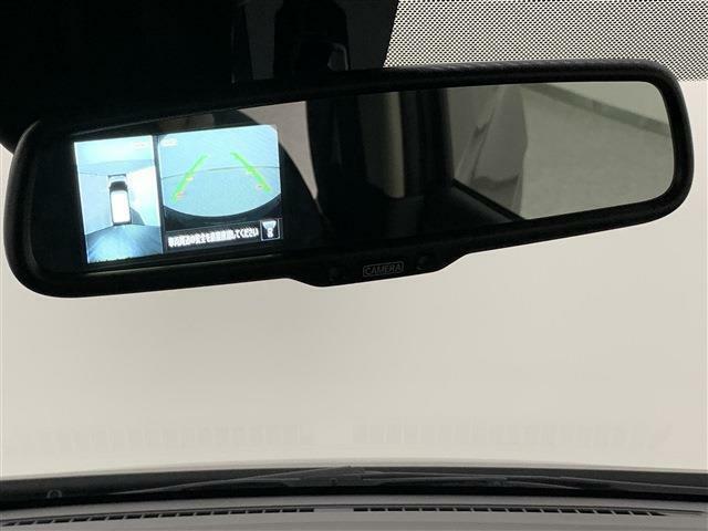 見下ろしているかのような映像で駐車もスムーズ!インテリジェントアラウンドビューモニター付き障害物検知もしてくれるので安心です!