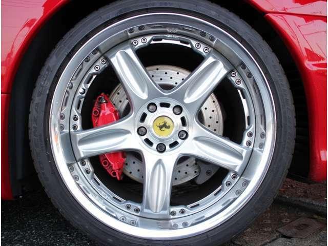 エムワンカーファクトリーのフェラーリは全国販売もちろんOK!全国納車もちろんOK!お客様の大切なフェラーリを当社スタッフが1台1台丁寧にお客様へお届け致します!