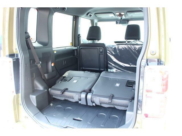 荷室スペースには後部座席全てを折畳んだ状態にすると、自転車も立てたまま積み込めます!