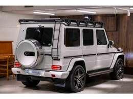 Gクラスに乗りどこへお出かけしますか??キャンプなどアウトドアへ重宝するお車です。
