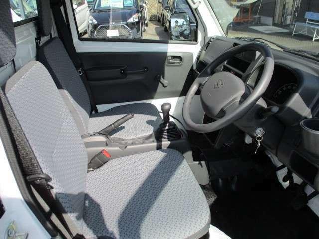 運転席になります!お乗りになられた時のお姿を想像して下さい♪♪電話でのお問い合わせは0066-9711-371604(無料)です♪お気軽にどうぞ♪
