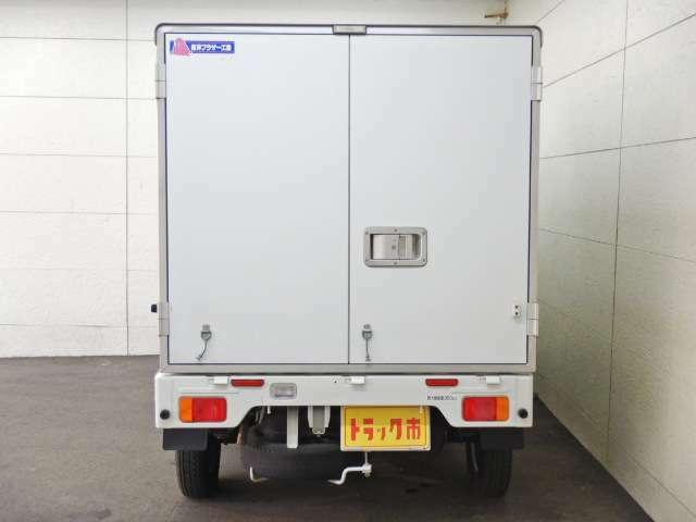東洋ブラザー工業製保冷 荷箱パネル厚さ約50mm 水抜き穴1ヵ所