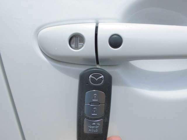 便利なアドバンストキーレス☆携帯していれば、すべてのドアのロック/アンロックが簡単に行えます。