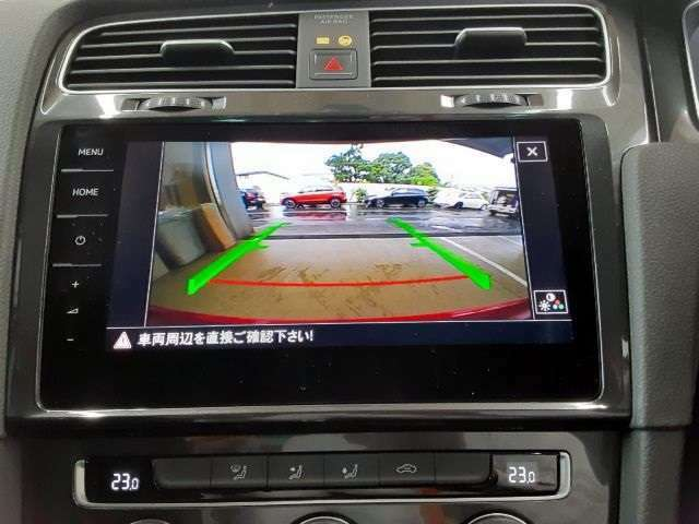 駐車時にも安心のバックカメラ付☆