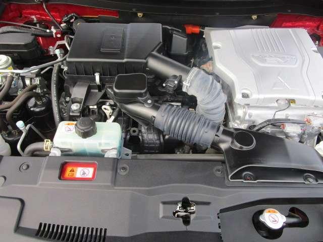 エンジン2000cc搭載のハイブリット車です。