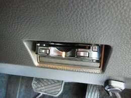 ETC車載器装備。高速道路の料金所で 精算がラクラクです。ETCカードは、当店でも申し込み手続き可能です。お持ちでない方は、ぜひお気軽にお声掛けください。