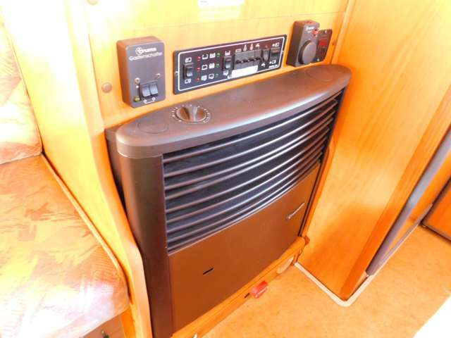 ガス式温水ボイラーシャワー ガス式FFヒーター