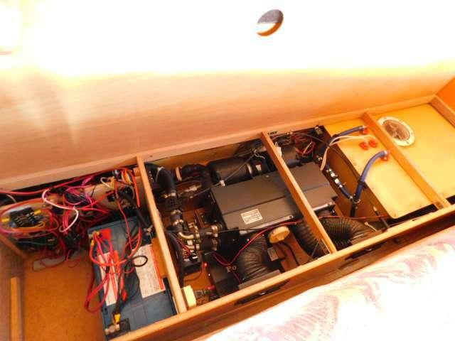 サブバッテリー 走行充電 外部電源・充電器 350Wインバーター