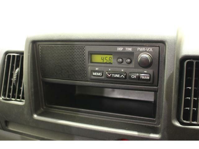AM/FMラジオ付きです。