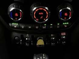 シートヒータ他MINIドライビングモードなど様々な機能がついております。