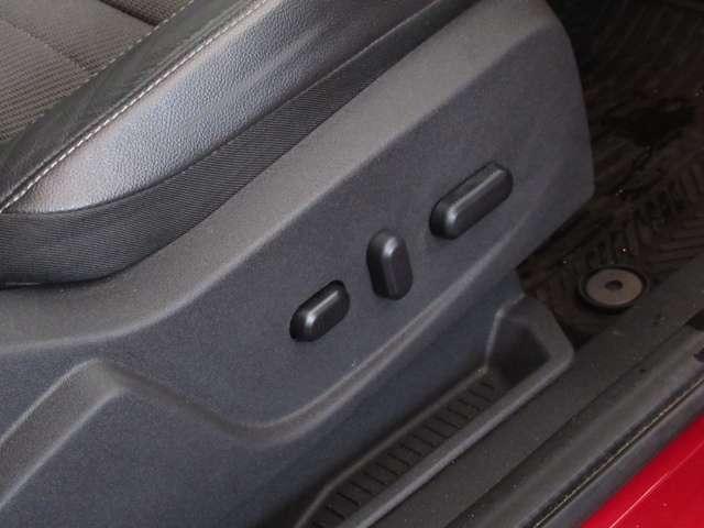 ■パワーシート■電動でシートポジションが変えられます♪力要らずで便利な機能です♪