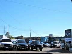 新車中古車販売、カスタム、車検、鈑金、保険等お任せください。
