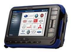 『次世代電子制御も診断』 国内トップクラスの診断機を所有。次世代OBD車検にも対応。現代における強力な「工具」です。