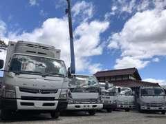 トラック・特殊車両もお任せ下さい!在庫に無い車種も仕入れる事が可能ですので、お気軽にお問合せ下さい。