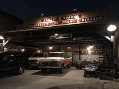 【Garage】このガレージの鉄骨以外は全てDIYです。《自動車と建物の融合》をコンセプトに1年掛りでコツコツ仕上げました。