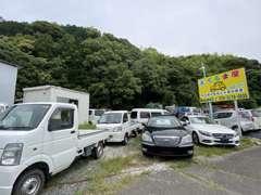 ミニバン・軽トラック・セダン・メルセデスなど高級車もご希望に沿って取り扱いしております。