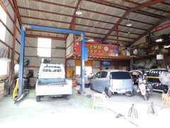 認証工場完備!一般整備から車検等、当店にお任せ下さい♪