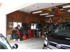 自社整備工場完備 タイヤ交換 オイル交換 車高調パーツ取り付け エンジン整備 お任せ下さい.