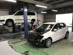 自社整備工場有り!納車前の整備はもちろん修理、車検もお任せください!!塗装ブース、鈑金工場もあります!!