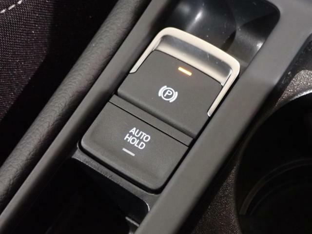 電磁式サイドブレーキは、オートホールドも付いています。