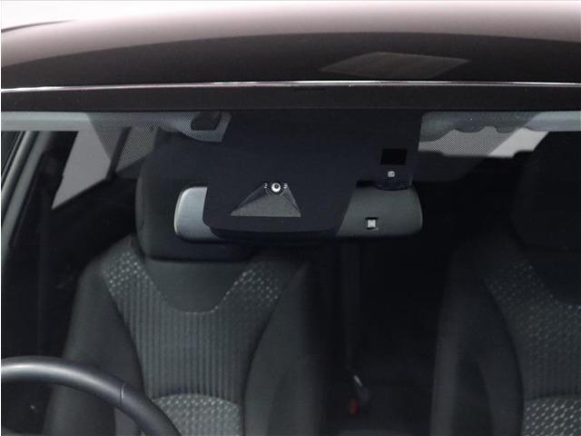 TOYOTA SAFETY SENSEは道路状況、車両状態、天候状態及びドライバーの操作状況などによっては、作動しない場所があります。プリクラッシュ・セーフティ・システムは、あくまで運転補助機能です。
