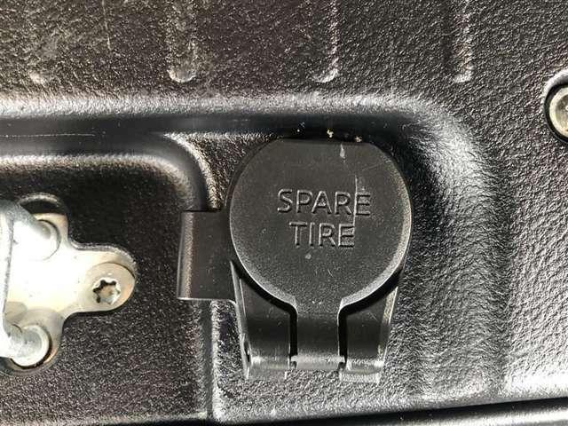 トヨタ中古車 「まるまるクリン」施工済み。 外装はもちろん、内装はシートを外して見えない所まで徹底洗浄しています。