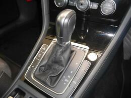 7速DSGミッションがダイレクト感ある加速と燃費効率に貢献しています。