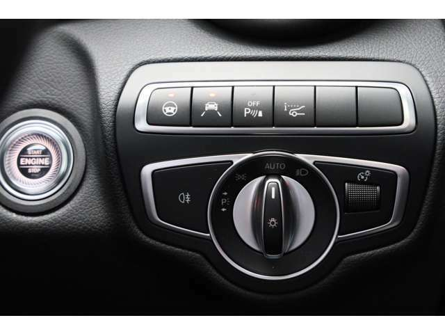 ヘッドアップディスプレイ:フロントガラスにスピードメーター等映すことができますので、メーターへ視線を動かさずに確認できます!