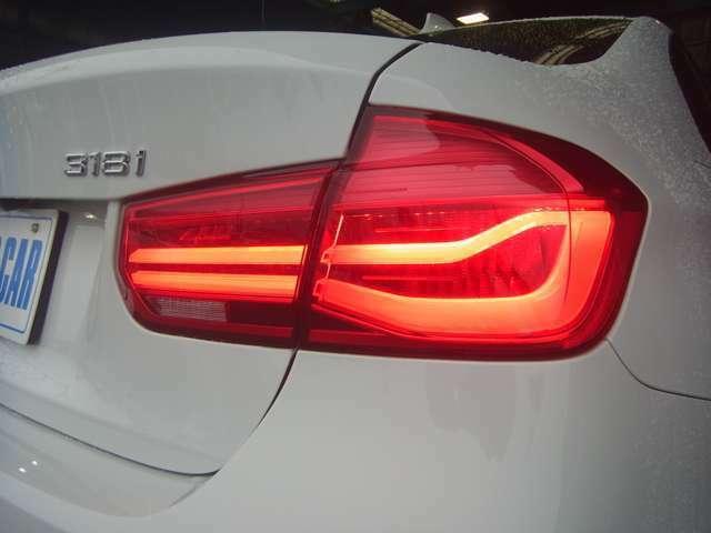 LCiモデルらしく、新鮮な印象を受けるテールランプも「イケて」ますよね!LED技術はカッコ良さだけではなく点灯速度が速い事や視認性にも優れる事から、安全運転に貢献出来る技術といえます。